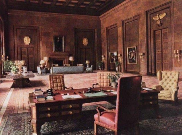 Рабочий кабинет Адольфа Гитлера, Германия, 1940гг