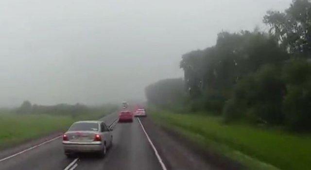 Очень странная ситуация на дороге: сотрудники ДПС спровоцировали аварию?