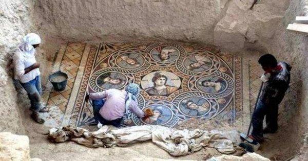 Археологи обнаружили мозаику в Зевгме, Турция, которую не видели более 2000 лет