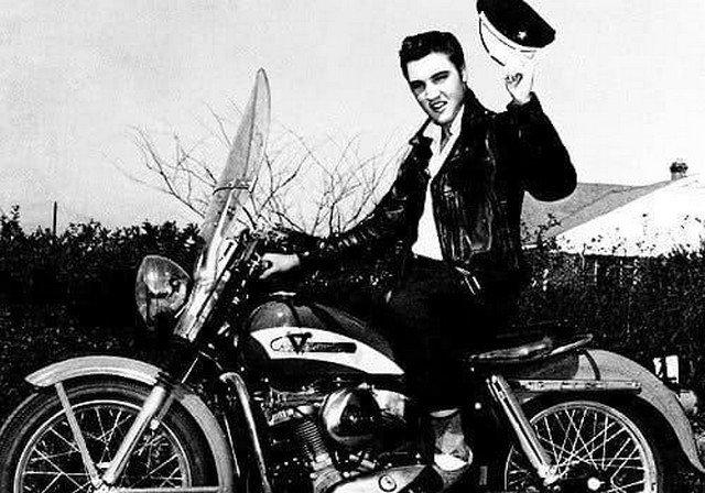 Элвис на Xapлее, 1956 гoд