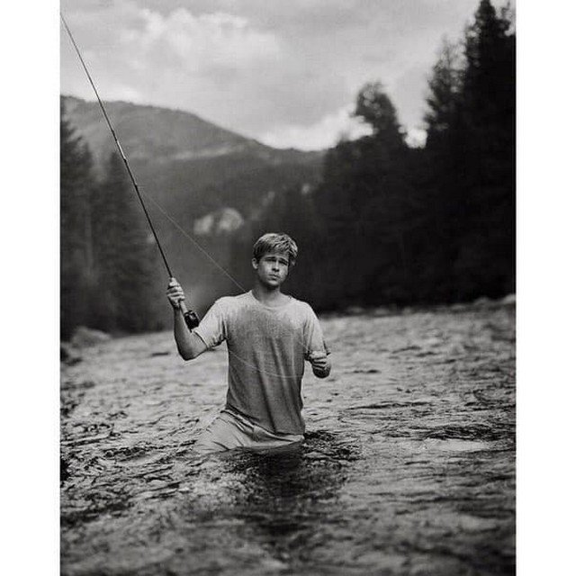Брэд Питт на рыбaлке в Moнтане (США), 1992 год