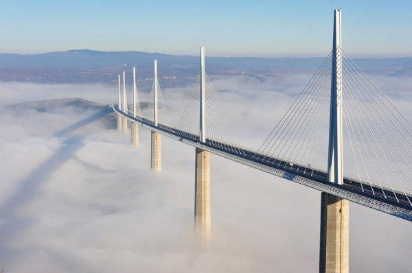 """""""Строительная магия"""": впечатляющие мосты, шоссе, виадуки в разных странах"""