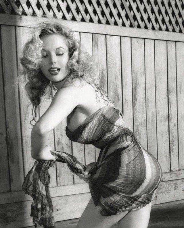 Бетти Бросмер - секс-символ 1950-х.