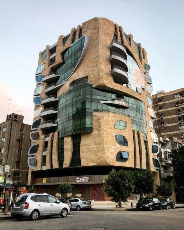 Здание в Каире: когда у тебя есть два набора Лего и хочется построить из них один новый дом