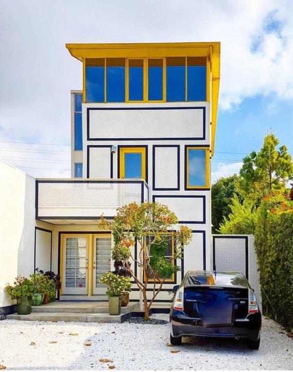 Дом в Калифорнии должен быть красивым, но не обязательно удобным
