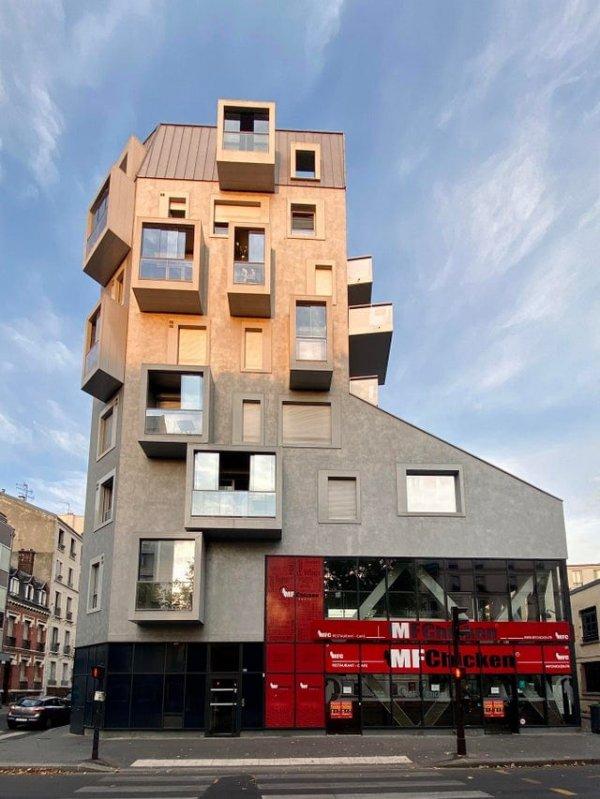 Интересно, а чем вдохновлялись создатели этого здания в 14-м округе Парижа?