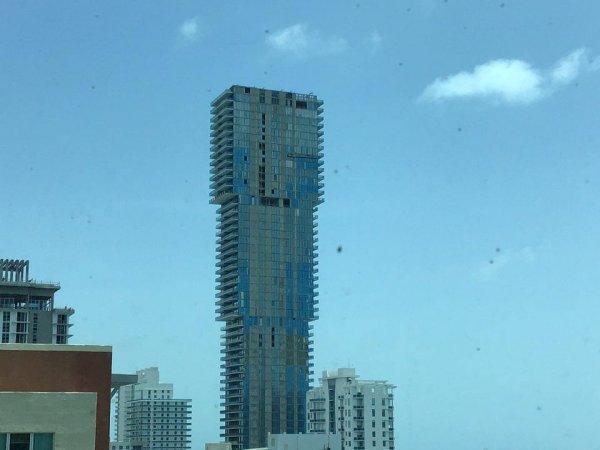 А этот дом в Майями очень даже логичный: квартиры на верхних этажах всегда стоят дороже
