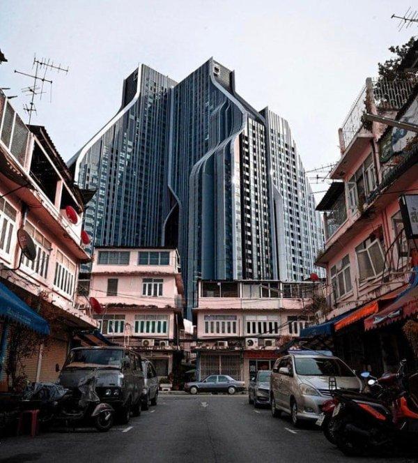 Жилое здание в Бангкоке в целом выглядит круто, но похоже на тюрьму из фантастических фильмов