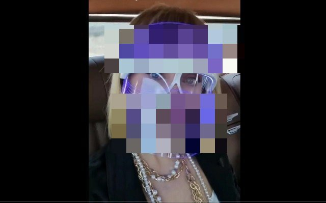 Певица Валерия показала новую защитную маску от коронавируса