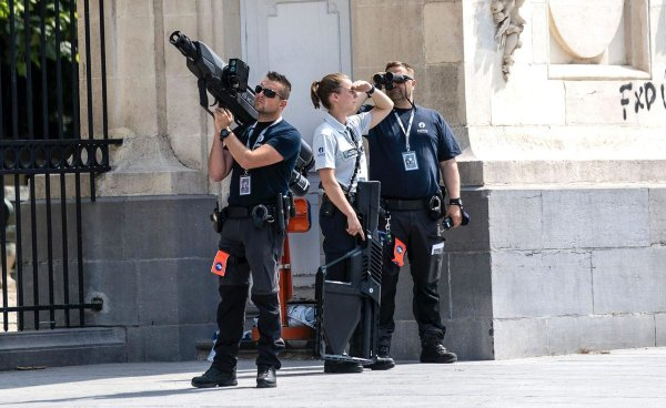 Как выглядит «пушка», которой полиция сбивает дроны