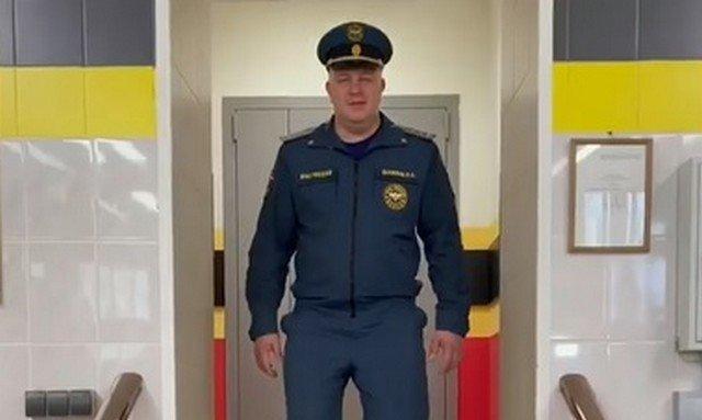 Fashon-показ из коллекции защитных костюмов МЧС