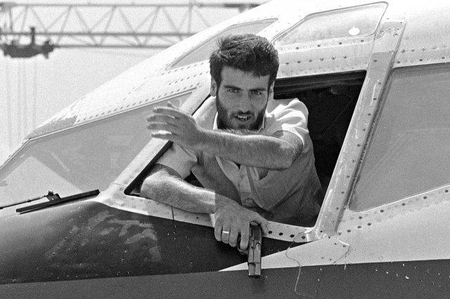 Ливанский боевик, участник похищения рейса 847 в Афинах, 1985 год.