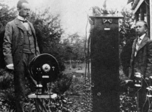 Прадедушка мобильника — первый в мире беспроводной телефон, создан Натаном Стаблфилдом Фото 1902 года