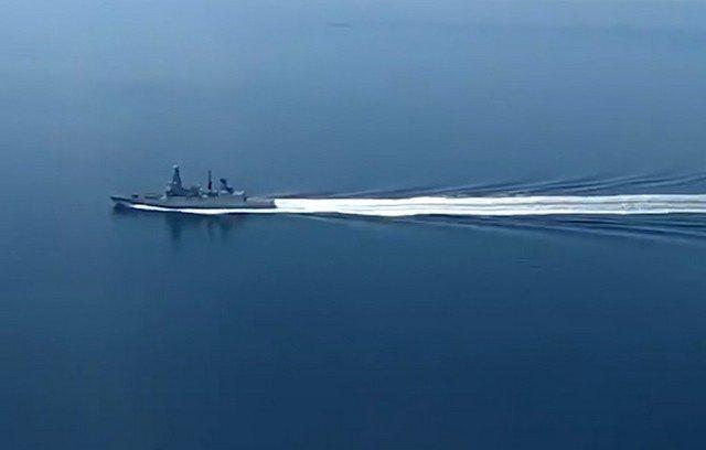 Репортаж BBC с борта эсминца Defender ВМС Великобритании, который нарушил границу в Черном море