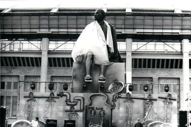 """Праздник """"День пива"""" в Москве у стадиона """"Лужники"""". 7 августа 1998 год."""