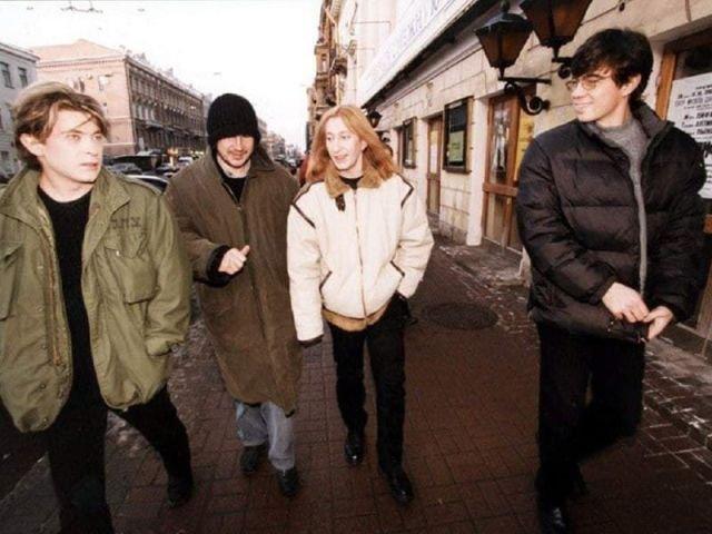 Алексей Балабанов, Сергей Бодров мл. и группа «Би-2», 1999 год.