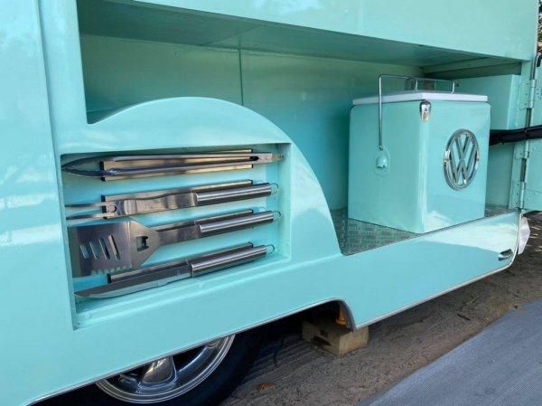 Механик из Австралии купил старый фургон за пару ящиков пива и превратил его в крутой дом на колесах