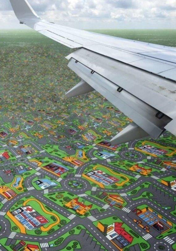 Пролетая над ковром из детской