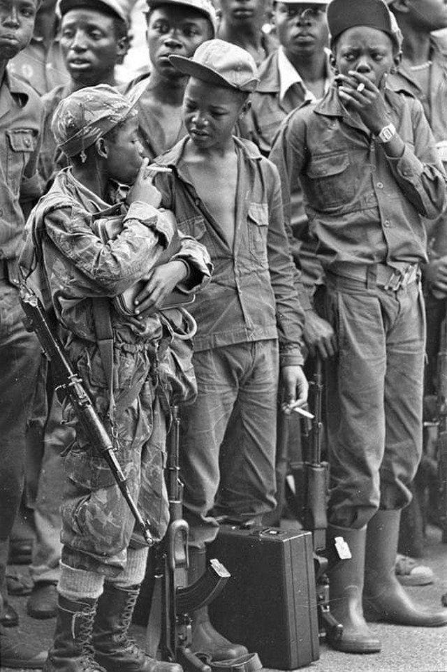 Юные борцы с апартеидом, Ангола, 1976 год.