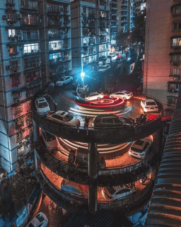 Удивительная винтовая улица в Чунцине, Китай