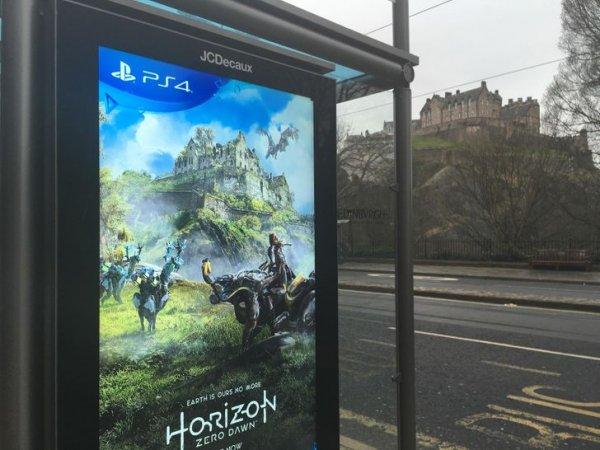 Что если вписать рекламу в исторический ландшафт и задействовать Эдинбургский замок?