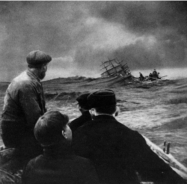 Тонущий корабль Arden Craig, 1911 год.