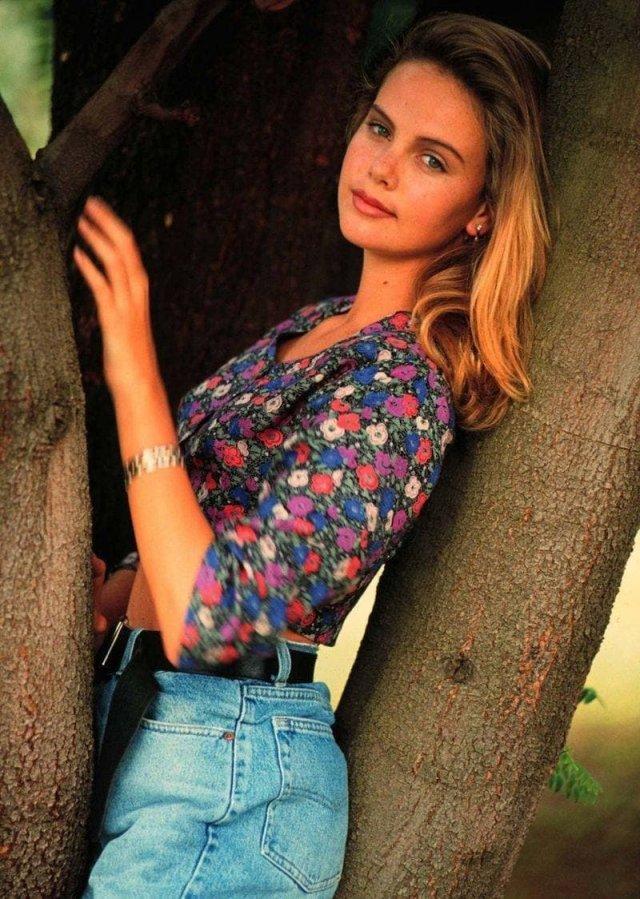 Молодая Шарлиз Терон, начало 90-ых.