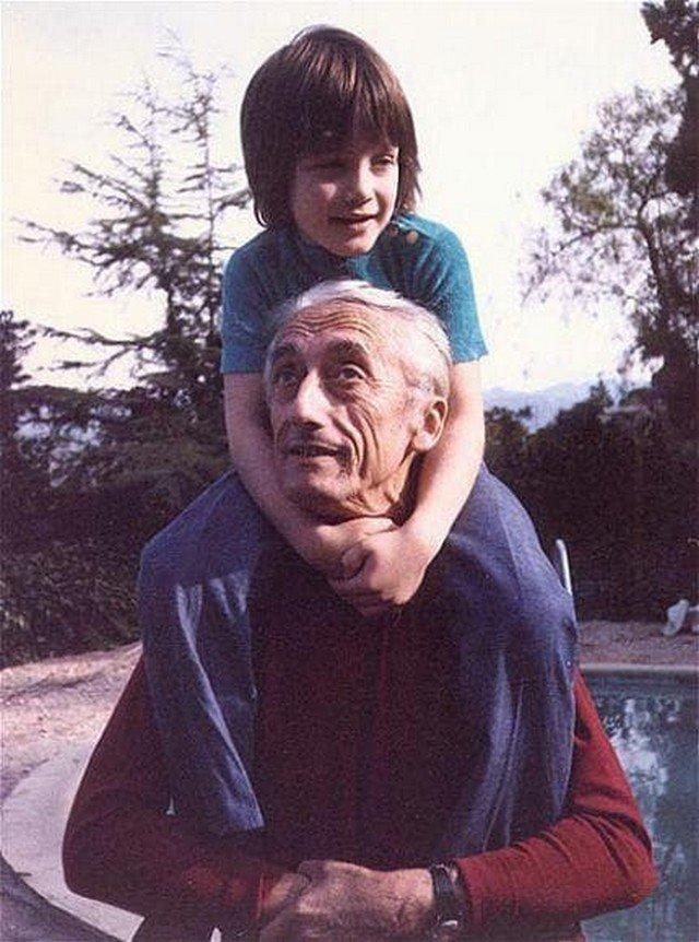 Жак-Ив Кусто с внуком Фабианом, 1970 год.