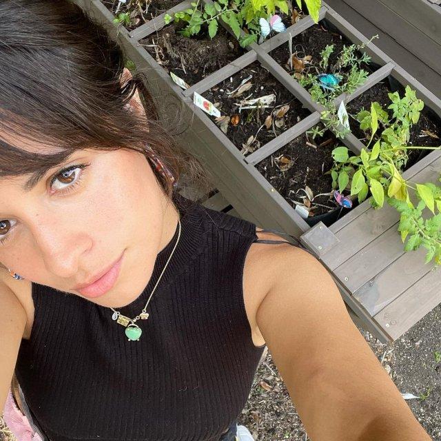 """Камила Кабельо - американская певица, которая сыграет в фильме """"Золушку"""""""