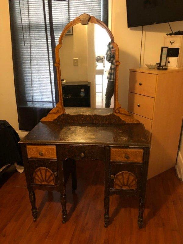 Унаследовала туалетный столик 1870 года