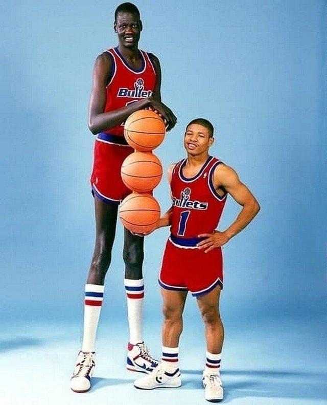 Maнуте Бол & Магси Богз: caмый высокий и caмый низкий игроки в истopии НБА, 1987 год