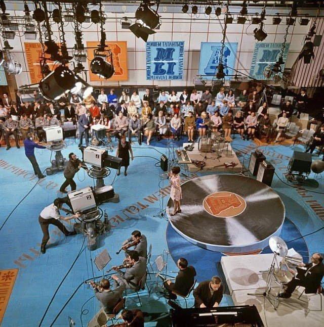 В студии телепрограммы «Алло, мы ищем таланты», 1971 год, Москва