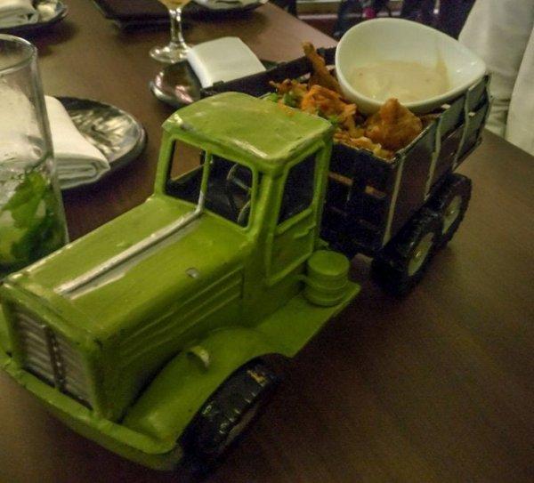 Когда настолько голодный, что хочешь съесть целый грузовик