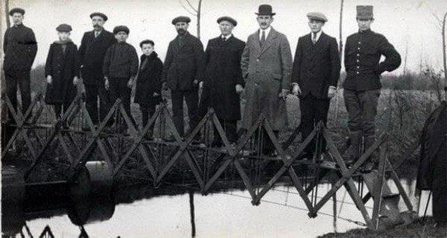 Складной мост для чрезвычайных ситуаций, перевозится на тележке (Нидерланды, 1926)