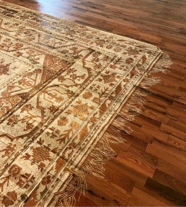 Этот ковёр вырезан прямо в деревянном полу