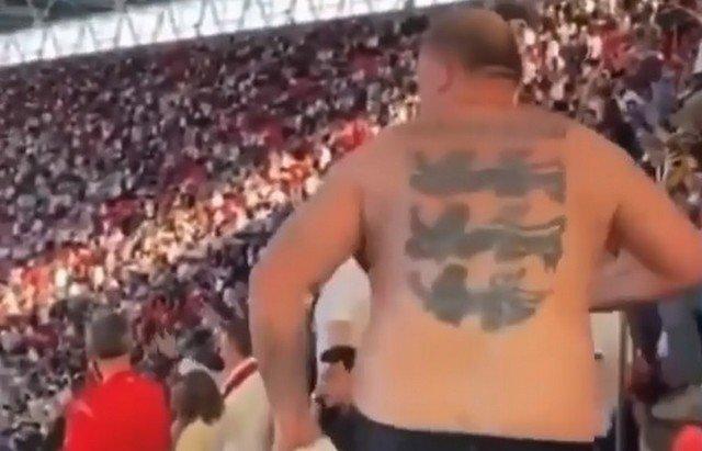 Болельщик, который слишком бурно отпраздновал выход сборной Англии в финал Евро-2020