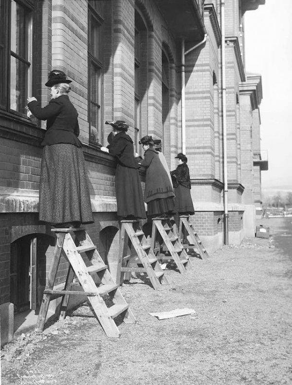 Родственники пришли навестить пациентов в больнице Осло во время эпидемии дифтерии, 1905 год