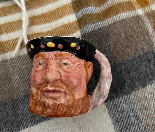 Чашка с изображением Генри VIII, от которой я в восторге