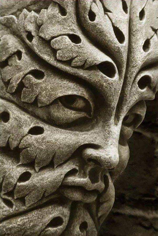 Один из «Зелёных людей», 1200-е годы, Бамбергский собор, Германия