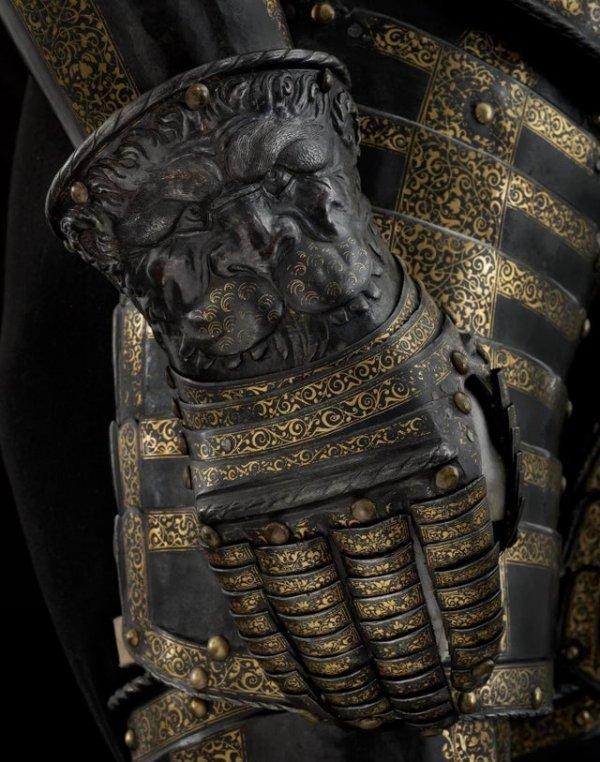 Рукавицы «львиных» доспехов Генриха II, короля Франции, 1550 год