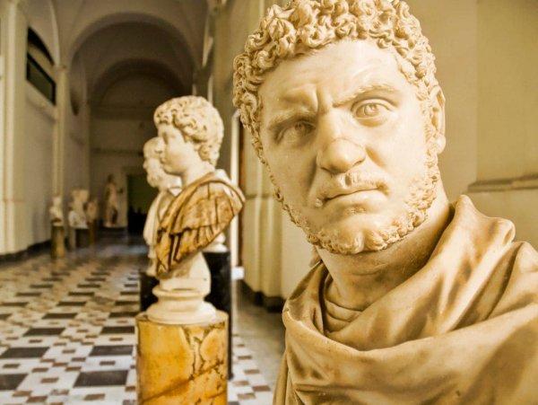 Мраморный бюст римского императора Каракаллы. Датируется 212 годом нашей эры