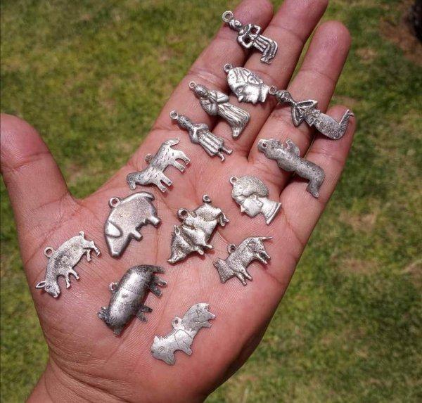 Вот такие серебряные кулончики