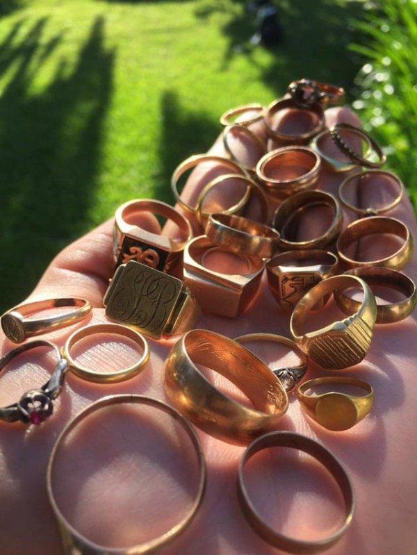 Как выглядит результат двухмесячной работы: все эти кольца золотые