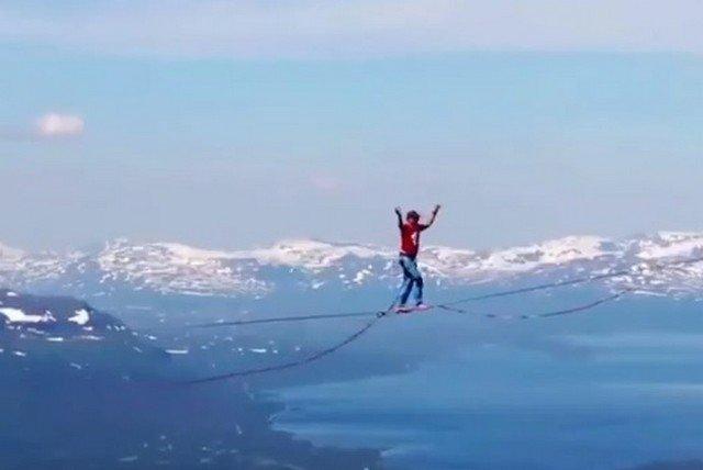 В Швеции 4 канатоходца установили мировой рекорд