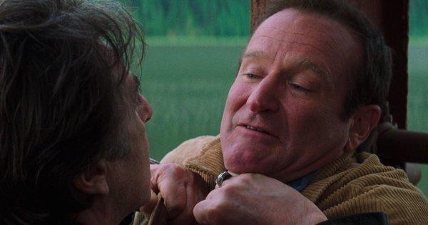 Робин Уильямс в фильме «Бессонница» (2002)