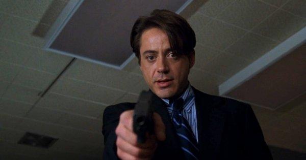 Роберт Дауни — младший в фильме «Служители закона» (1998)