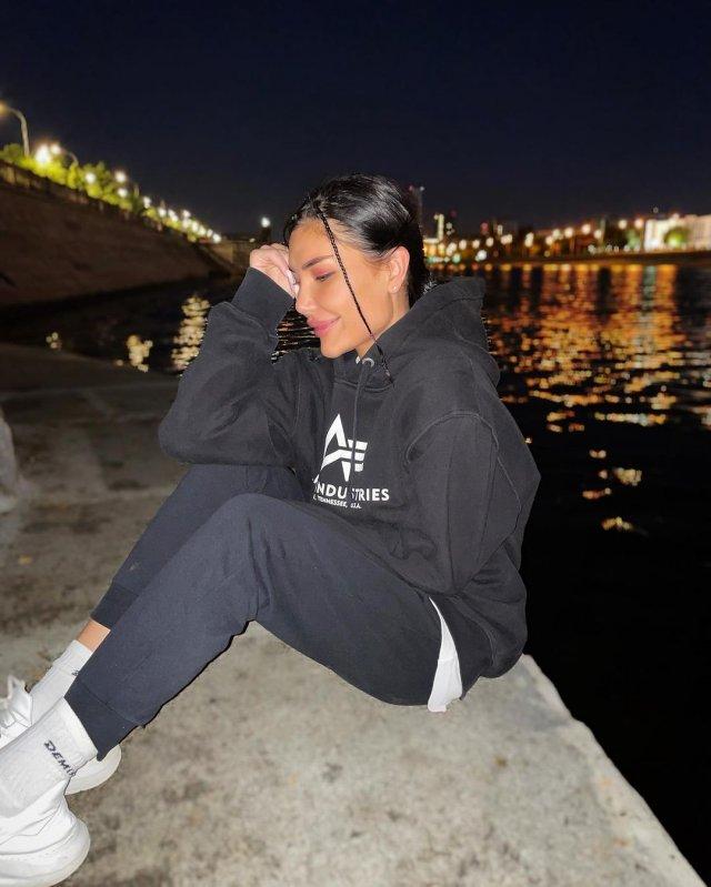 Новая девушка Павла Деревянко - блогер Анастасия (v.cosmosse)