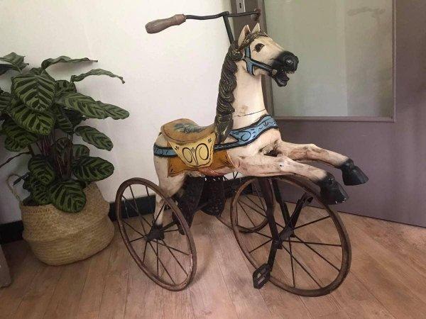 Нашёл этот изумительный велосипед в виде коня в онлайн-секонд-хенде