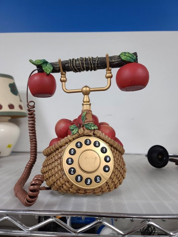 Отыскал новый телефон Apple