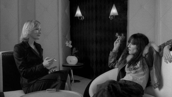 Кейт Бланшетт в фильме «Кофе и сигареты» (2003)